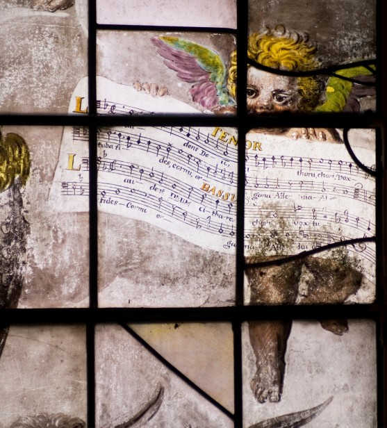 Angels holding voice-parts of the Lassus motet.