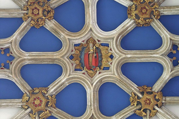 Roof boss depicting the crowned Virgin, Beauchamp Chapel. © Vitrearum (Allan Barton).