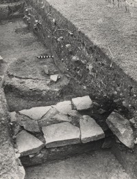 Fig. 1: Glass furnace excavated at Glastonbury Abbey. © Glastonbury Abbey