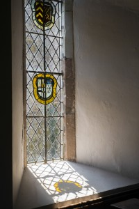 Fig. 4. Heraldic window, c.1629, church of St John the Baptist, Eldersfield. © The author.