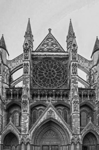 Fig. 4. Western façade of Westminster Abbey with rose window.