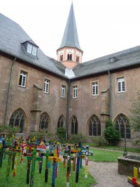 Steinfeld cloister courtyard (Katie Harrison)
