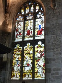 Fig. 3. Ludlow, St Laurence, north-west window of St John's Chapel: the Lord's Prayer (Paternoster) and the Salutation (Ave Maria) window. © Author