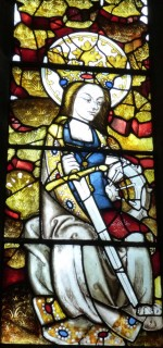 Fig. 17. Ludlow, St Laurence, St John's Chapel, the Lord's Prayer (Paternoster) and the Salutation (Ave Maria) window: detail showing image of St Katherine. © Author